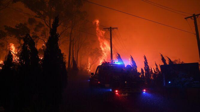 """Ewakuacje przed szalejącymi pożarami. """"To będzie długa noc"""""""