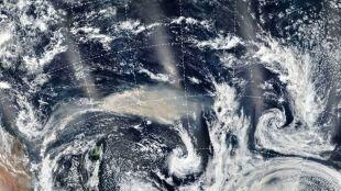NASA: chmury pyłu znad Australii mogą okrążyć Ziemię