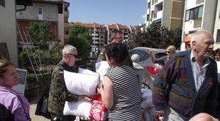 Polscy żołnierze pomagają mieszkańcom miasta Doboj w Bośni