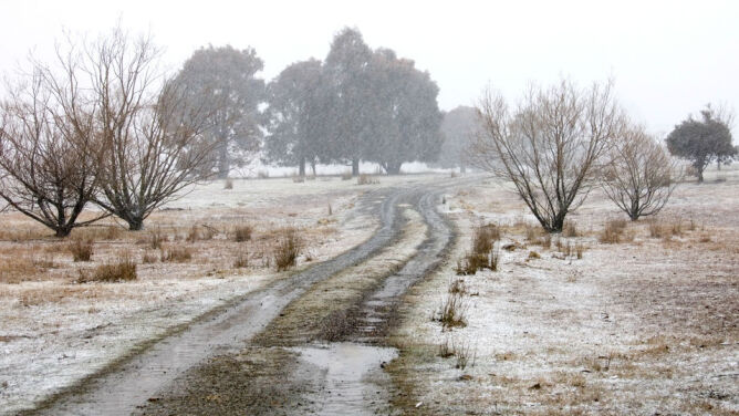 Prognoza pogody na dziś: lokalnie spadnie <br />śnieg z deszczem